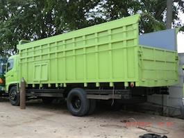 Karoseri bak truk AKAP panjang karoseri 7.5 meter Hino FG235JP