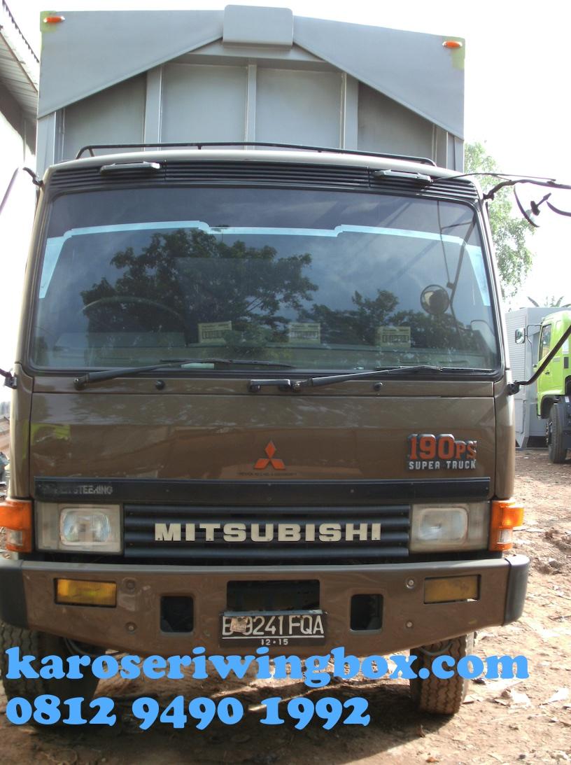 karoseri-wingbox-mitsubishi-fuso
