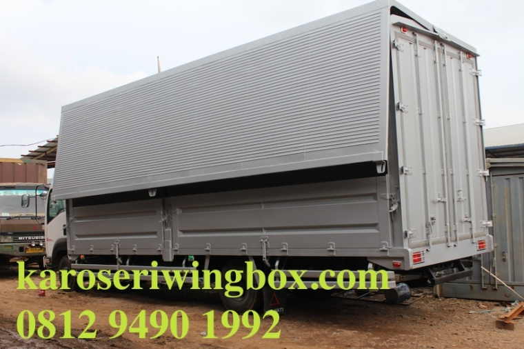 karoseri wing box Isuzu Giga FRR pilihan terbaik hubungi 0812 9490 1992 klik www.karoseriwingbox.com, harga terjangkau