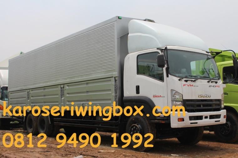 karoseri-wingbox-isuzu-giga-fvm-34-w
