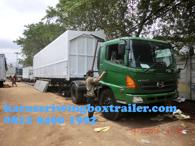 karoseri_wingbox_trailer