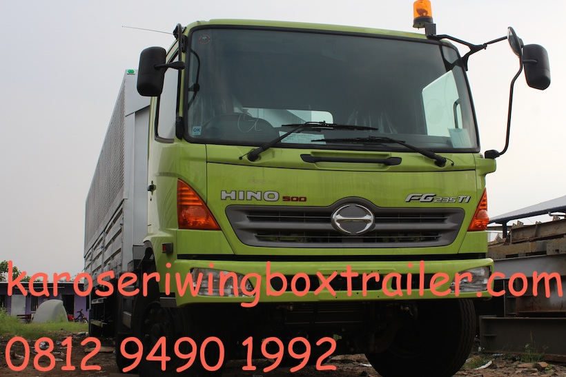 karoseri-wingbox-trailer-40-ft-hino-fg-235-th