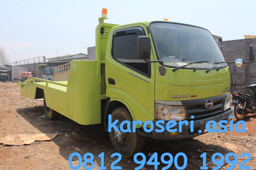 karoseri-towing-car-hino-dutro-130-mdl-ps-1