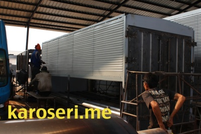 proses-produksi-karoseri-wingbox