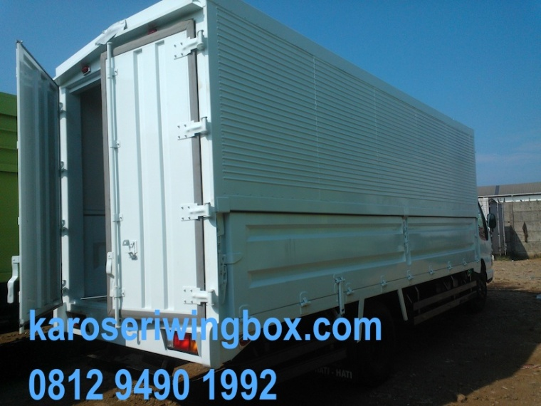 karoseri-wingbox-isuzu-elf-nkr-71-4