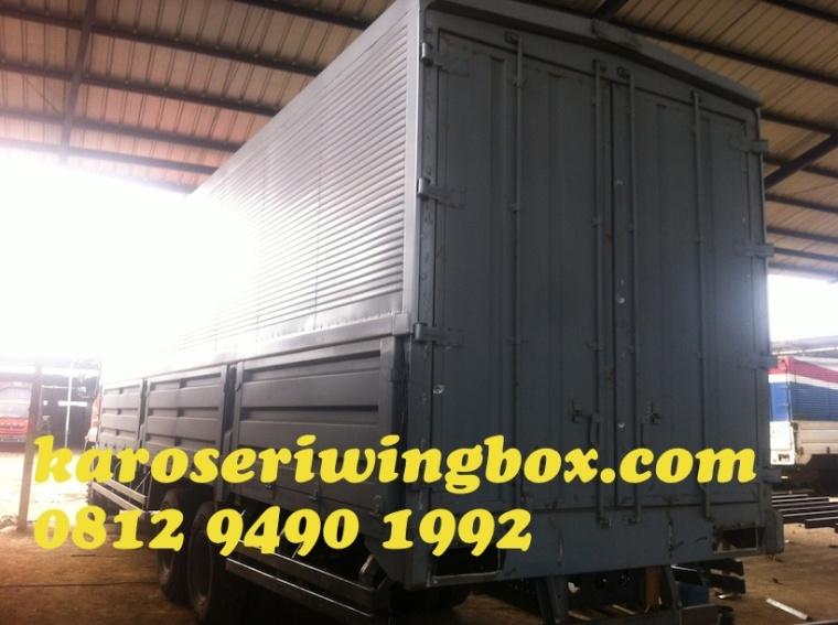 karoseri-wingbox-mitsubishi-fuso-fj2523