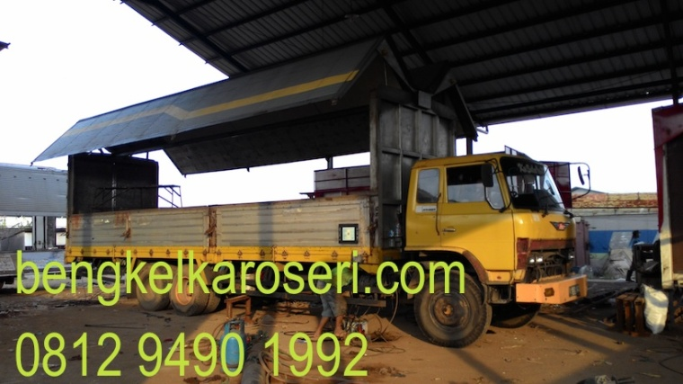 Repair dan repaint karoseri wing box Sentosa sarana Abadi