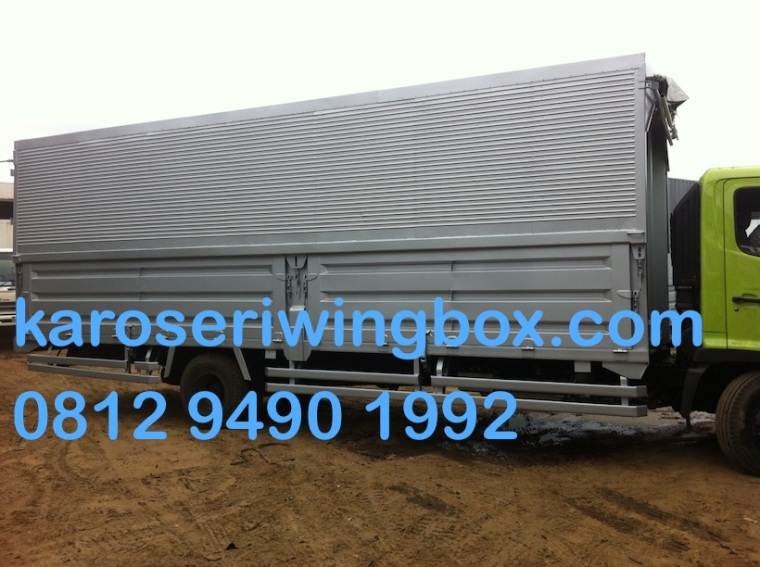 karoseri-wingbox-manual-7-meter-hino-fc-190-j-samping-2