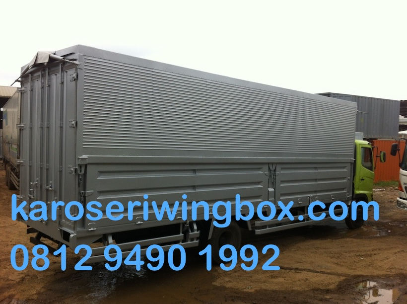 karoseri-wingbox-manual-7-meter-hino-fc-190-j-samping-3