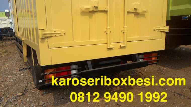 karoseri-box-canter-pintu-samping-2