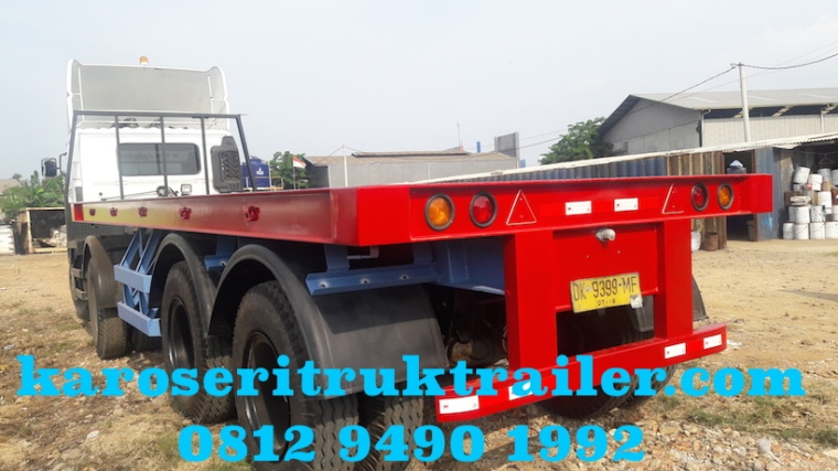 karoseri-trailer-flatbed-20-ft-tampak-belakang-bumper-trailer