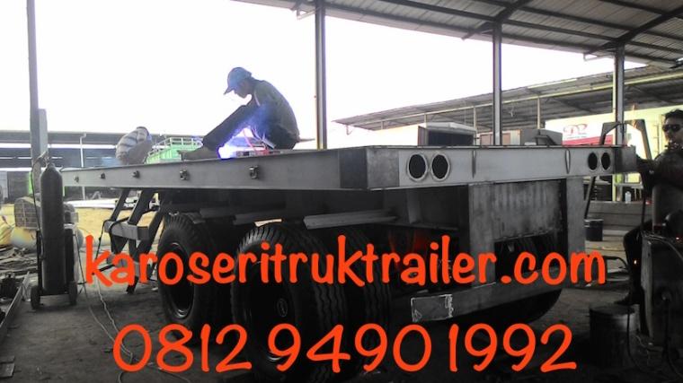 Manufaktur-karoseri-trailer-flatbed-20-ft