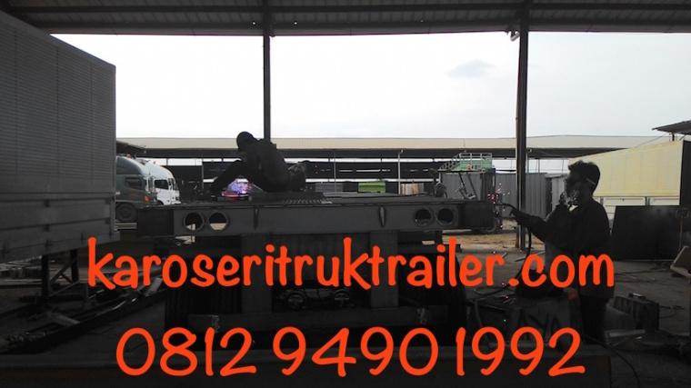 pembuatan-trailer-flatbed-20-ft