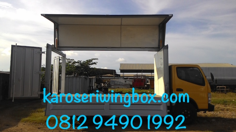 karoseri-wing-box-mitsubishi-canter-colt-diesel-fe-74-super-speed-full-buka