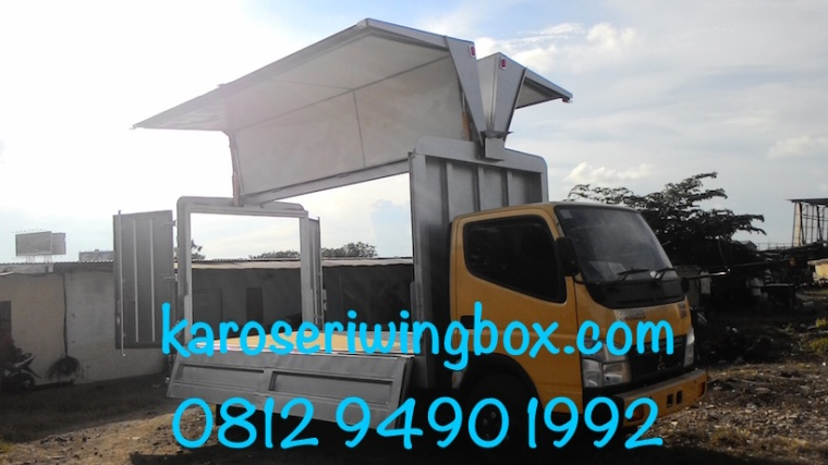 karoseri-wing-box-mitsubishi-canter-colt-diesel-fe-74-super-speed-buka-samping