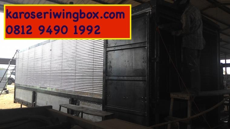 karoseri wingbox dalam proses produksi