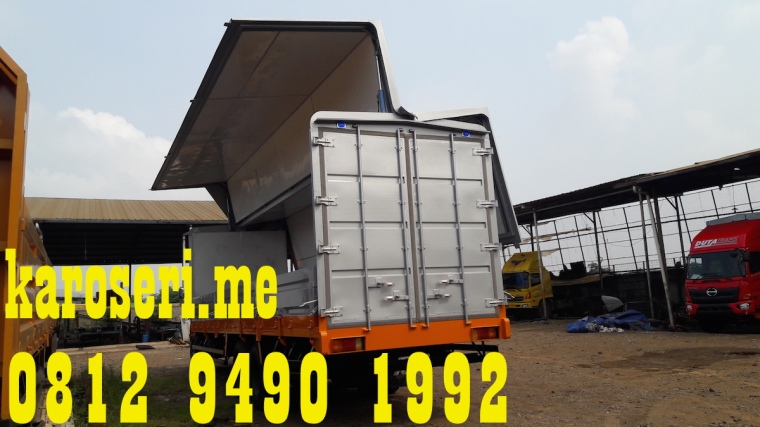karoseri-wingbox-mitsubishi-fuso-fn527-ml-2-6